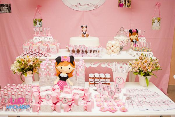 Vintage Minnie Mouse Party via Kara's Party Ideas | KarasPartyIdeas.com #vintage #minnie #mouse #girl #party #ideas (18)