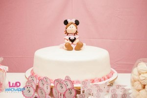 Vintage Minnie Mouse Party via Kara's Party Ideas | KarasPartyIdeas.com #vintage #minnie #mouse #girl #party #ideas (14)