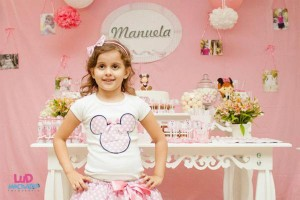 Vintage Minnie Mouse Party via Kara's Party Ideas | KarasPartyIdeas.com #vintage #minnie #mouse #girl #party #ideas (13)