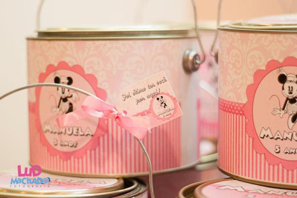 Vintage Minnie Mouse Party via Kara's Party Ideas | KarasPartyIdeas.com #vintage #minnie #mouse #girl #party #ideas (12)