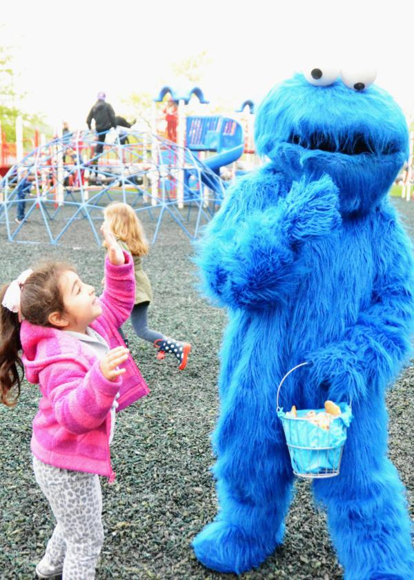 Cookie Monster Party via Kara's Party Ideas | KarasPartyIdeas.com #chic #girl #blue #DIY #cookie #monster #party #ideas (6)