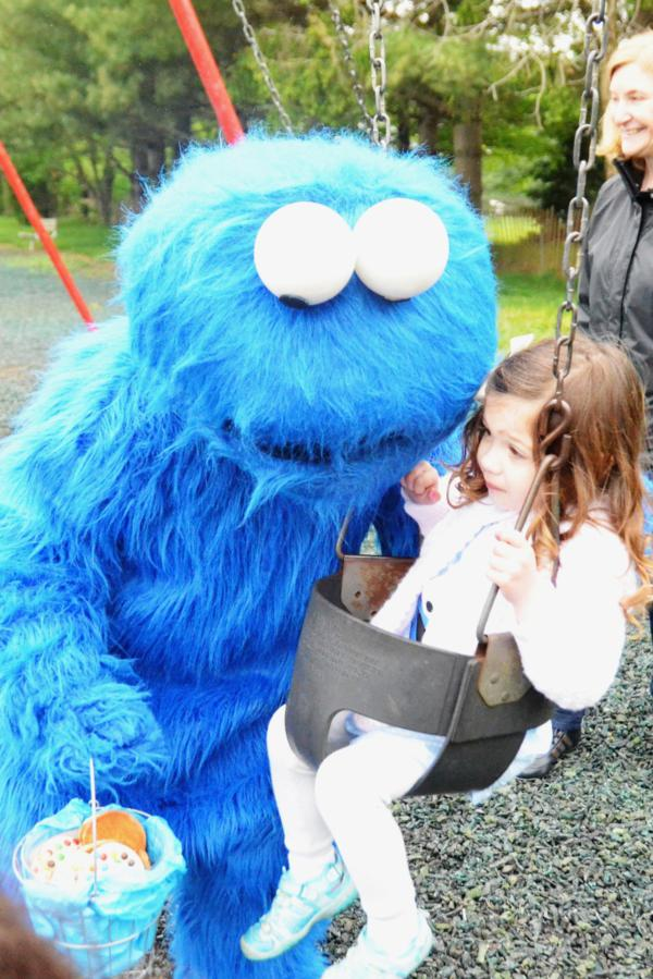 Cookie Monster Party via Kara's Party Ideas | KarasPartyIdeas.com #chic #girl #blue #DIY #cookie #monster #party #ideas (5)