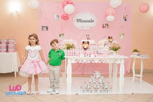 Vintage Minnie Mouse Party via Kara's Party Ideas | KarasPartyIdeas.com #vintage #minnie #mouse #girl #party #ideas (6)