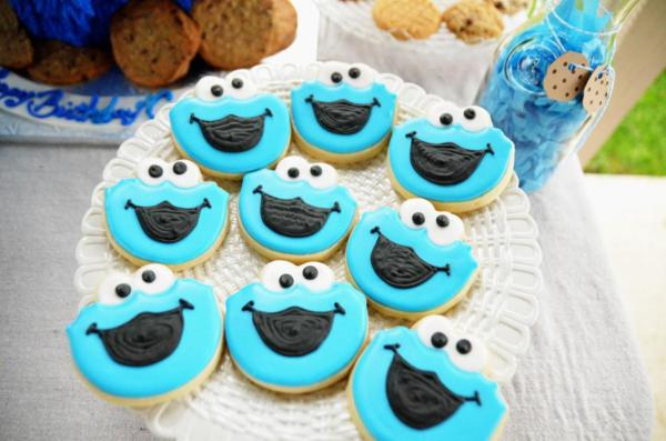 Cookie Monster Party via Kara's Party Ideas | KarasPartyIdeas.com #chic #girl #blue #DIY #cookie #monster #party #ideas (30)