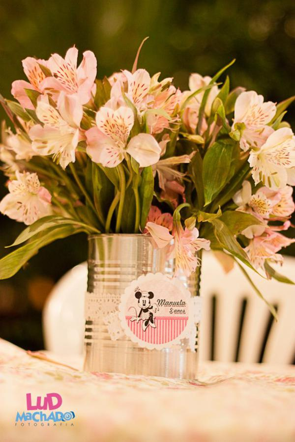 Vintage Minnie Mouse Party via Kara's Party Ideas | KarasPartyIdeas.com #vintage #minnie #mouse #girl #party #ideas (4)