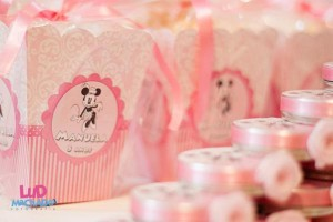 Vintage Minnie Mouse Party via Kara's Party Ideas | KarasPartyIdeas.com #vintage #minnie #mouse #girl #party #ideas (2)