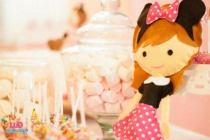 Vintage Minnie Mouse Party via Kara's Party Ideas | KarasPartyIdeas.com #vintage #minnie #mouse #girl #party #ideas (1)