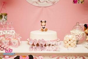 Vintage Minnie Mouse Party via Kara's Party Ideas | KarasPartyIdeas.com #vintage #minnie #mouse #girl #party #ideas (40)