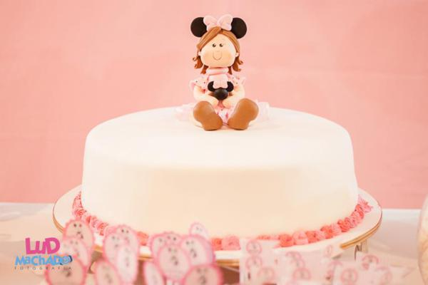 Vintage Minnie Mouse Party via Kara's Party Ideas | KarasPartyIdeas.com #vintage #minnie #mouse #girl #party #ideas (39)