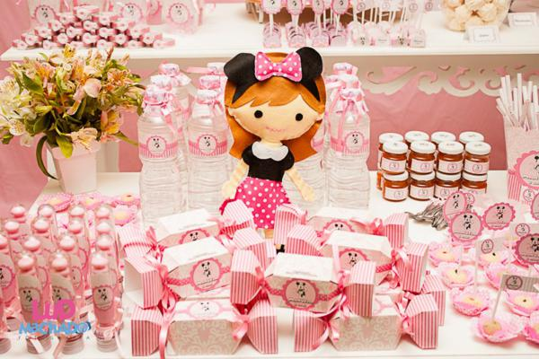 Vintage Minnie Mouse Party via Kara's Party Ideas | KarasPartyIdeas.com #vintage #minnie #mouse #girl #party #ideas (38)