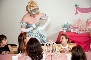 Cinderella Princess Party via Kara's Party Ideas | KarasPartyIdeas.com #cinderella #disney #princess #party #ideas (20)