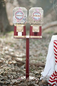 Vintage Circus / Carnival Party via Kara's Party Ideas | KarasPartyIdeas.com #vintage #carnival #circus #girl #boy #party #ideas #supplies (9)