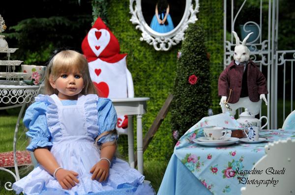 Alice In Wonderland Party via Kara's Party Ideas | Kara'sPartyIdeas.com #alice #in #wonderland #party #supplies #ideas (14)