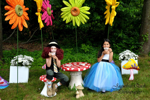 Alice In Wonderland Party via Kara's Party Ideas | Kara'sPartyIdeas.com #alice #in #wonderland #party #supplies #ideas (12)