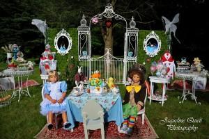 Alice In Wonderland Party via Kara's Party Ideas | Kara'sPartyIdeas.com #alice #in #wonderland #party #supplies #ideas (11)