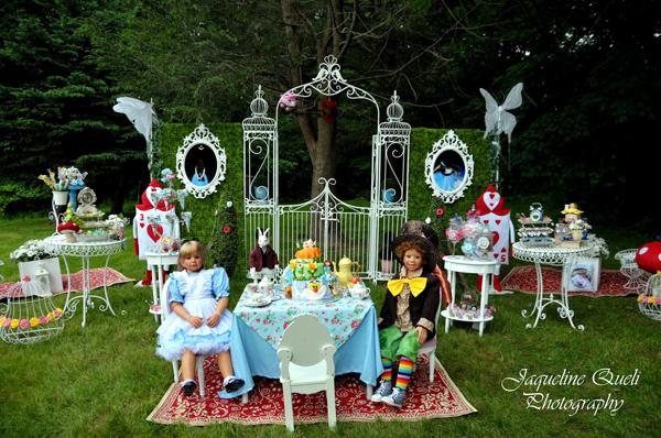 Kara 39 s party ideas alice in wonderland birthday party - Alice in the wonderland party decorations ...