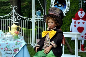 Alice In Wonderland Party via Kara's Party Ideas | Kara'sPartyIdeas.com #alice #in #wonderland #party #supplies #ideas (5)