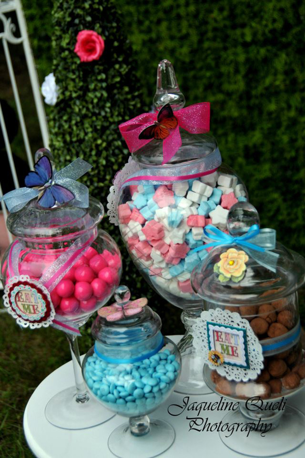Kara 39 s party ideas alice in wonderland birthday party for Alice in wonderland birthday decoration ideas