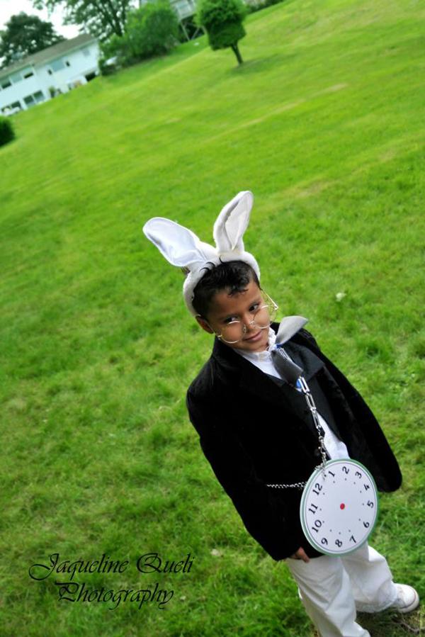 Alice In Wonderland Party via Kara's Party Ideas | Kara'sPartyIdeas.com #alice #in #wonderland #party #supplies #ideas (20)