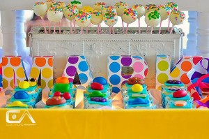 Candy Crush Birthday Party via Kara's Party Ideas | Kara'sPartyIdeas.com #candy #crush #birthday #party #supplies #ideas #buffet (5)