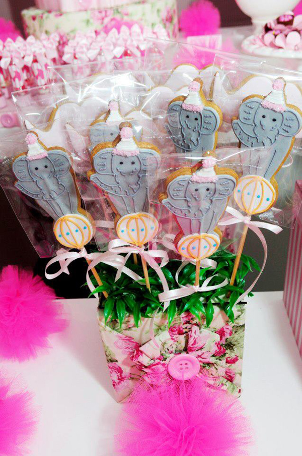 Circus Bear Birthday Party via Kara's Party Ideas| Kara'sPartyIdeas.com #circus #bear #birthday #party #supplies #ideas (45)
