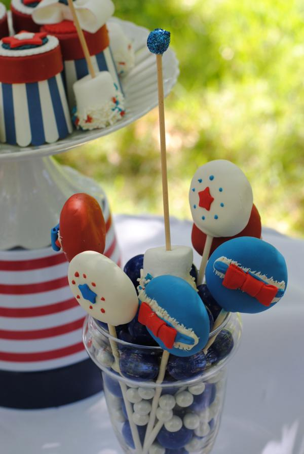 July 4th Seersucker Party via Kara's Party Ideas | KarasPartyIdeas.com #patriotic #july #4th #seersucker #party #ideas (7)