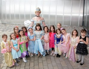 Cinderella Princess Party via Kara's Party Ideas | KarasPartyIdeas.com #cinderella #disney #princess #party #ideas (17)