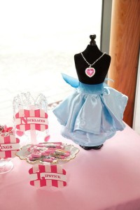 Cinderella Princess Party via Kara's Party Ideas | KarasPartyIdeas.com #cinderella #disney #princess #party #ideas (15)