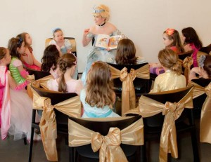 Cinderella Princess Party via Kara's Party Ideas | KarasPartyIdeas.com #cinderella #disney #princess #party #ideas (14)