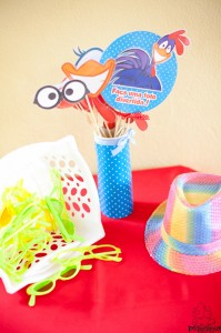Festa Galinha Pintadinha Birthday Party via Kara's Party Ideas | Kara'sPartyIdeas.com #festa #galinha #pintadinha #birthday #party #ideas #supplies (25)