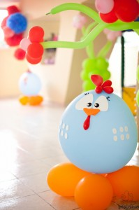 Festa Galinha Pintadinha Birthday Party via Kara's Party Ideas | Kara'sPartyIdeas.com #festa #galinha #pintadinha #birthday #party #ideas #supplies (23)
