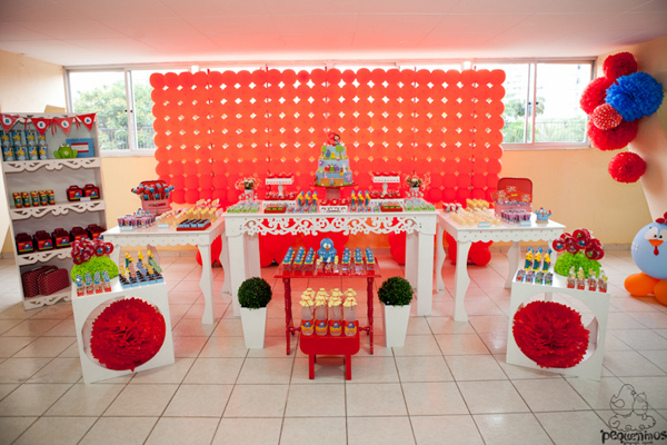 Festa Galinha Pintadinha Birthday Party via Kara's Party Ideas | Kara'sPartyIdeas.com #festa #galinha #pintadinha #birthday #party #ideas #supplies (39)