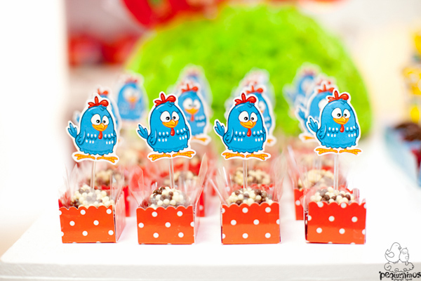 Festa Galinha Pintadinha Birthday Party via Kara's Party Ideas | Kara'sPartyIdeas.com #festa #galinha #pintadinha #birthday #party #ideas #supplies (11)