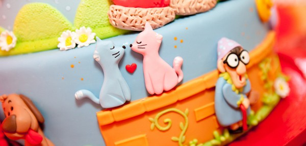 Festa Galinha Pintadinha Birthday Party via Kara's Party Ideas | Kara'sPartyIdeas.com #festa #galinha #pintadinha #birthday #party #ideas #supplies (3)