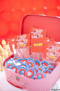 Festa Galinha Pintadinha Birthday Party via Kara's Party Ideas | Kara'sPartyIdeas.com #festa #galinha #pintadinha #birthday #party #ideas #supplies (33)