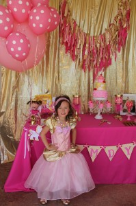 Goldilicious Pinkalicious Birthday Party via Kara's Party Ideas | Kara'sPartyIdeas.com #goldilicious #pinkalicious #birthday #party #supplies #ideas (6)