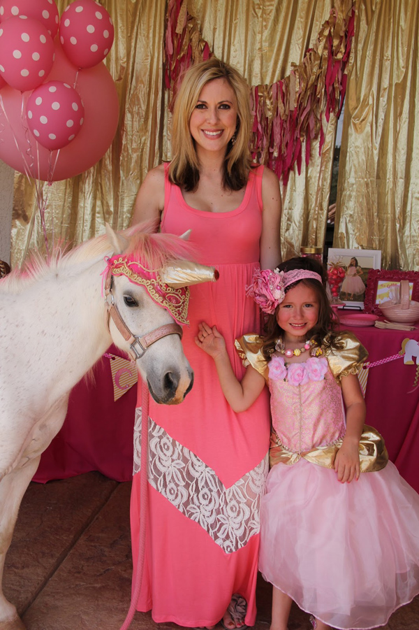 Goldilicious Pinkalicious Birthday Party via Kara's Party Ideas | Kara'sPartyIdeas.com #goldilicious #pinkalicious #birthday #party #supplies #ideas (2)