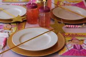 Goldilicious Pinkalicious Birthday Party via Kara's Party Ideas | Kara'sPartyIdeas.com #goldilicious #pinkalicious #birthday #party #supplies #ideas (10)