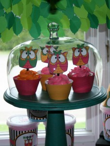 Two's a Hoot Birthday Party via Kara's Party Ideas | Kara'sPartyIdeas.com #twos #a #hoot #birthday #party #supplies #ideas (8)