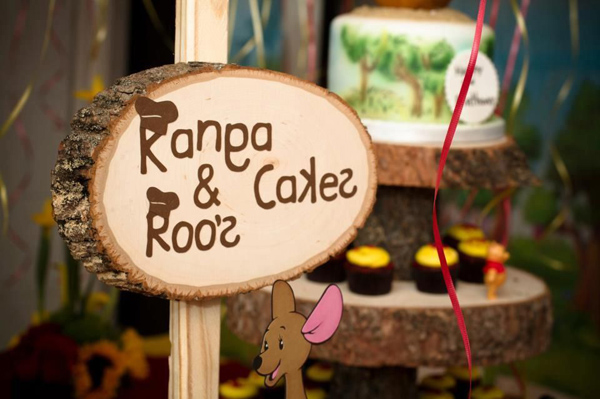 Winnie The Pooh Hundred Acre Partido Madeira via Idéias do partido de Kara | Kara'sPartyIdeas com # winnie # the # pooh # cem # acre # madeira # ideias # suprimentos (36).