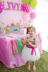 LaLa Loopsy Cake Decorating Birthday Party via Kara's Party Ideas | Kara'sPartyIdeas.com #lala #loopsy #cake #decorationg #party #supplies #ideas (5)