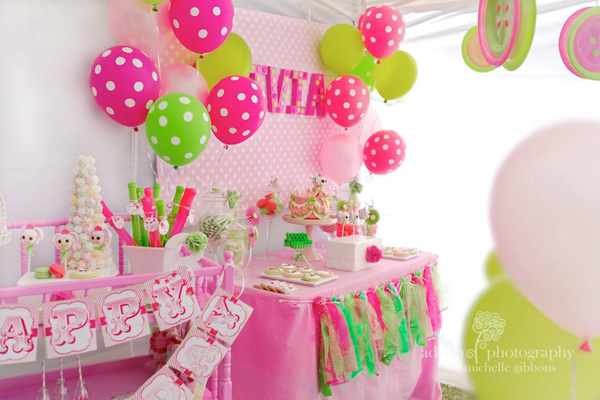 LaLa Loopsy Cake Decorating Birthday Party via Kara's Party Ideas | Kara'sPartyIdeas.com #lala #loopsy #cake #decorationg #party #supplies #ideas (9)