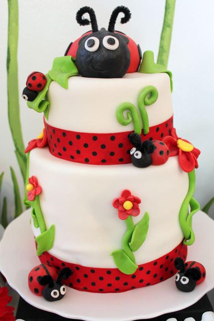 Ladybug Cake Decoration Ideas : Kara s Party Ideas Lovebug 2nd Birthday Party via Kara s ...