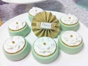 Mint and Gold Party via Kara's Party Ideas | Kara'sPartyIdeas.com #mint #and #gold #party #supplies #ideas #decorations (29)