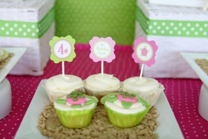 Preppy Pink and Green Sea Turtle Party via Kara's Party Ideas | Kara'sPartyIdeas.com #preppy #pink #and #green #sea #turtle #birthday #party (12)