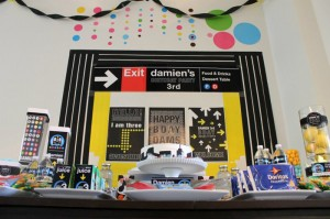 #NewYork #SubwayCake #Subway #planning #ideas #decorations #party #supplies (17)