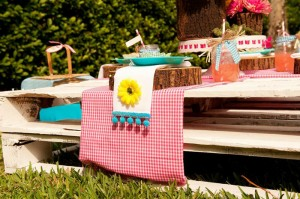 Teddy Bear Picnic 3rd Birthday Party via Kara's Party Ideas | Kara'sPartyIdeas.com #teddy #bear #picnic #3rd #birthday #party #supplies #ideas (13)