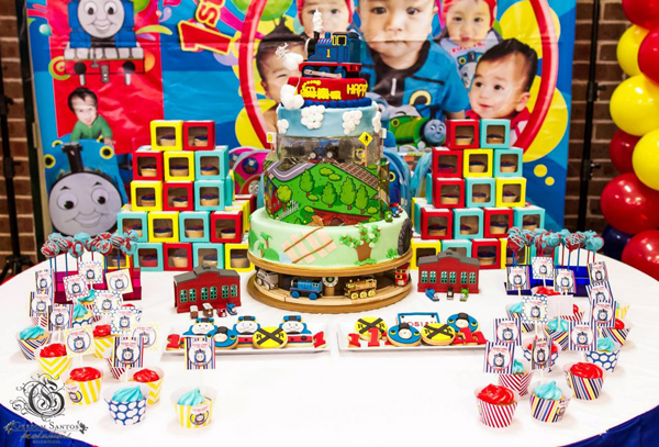 Thomas Train Birthday Party via Kara's Party Ideas | Kara'sPartyIdeas.com #thomas #train #birthday #party #supplies #ideas (2)