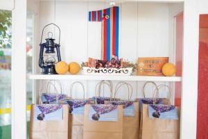Up Birthday Party via Kara's Party Ideas | Kara'sPartyIdeas.com #up #birthday #party #supplies #ideas (16)