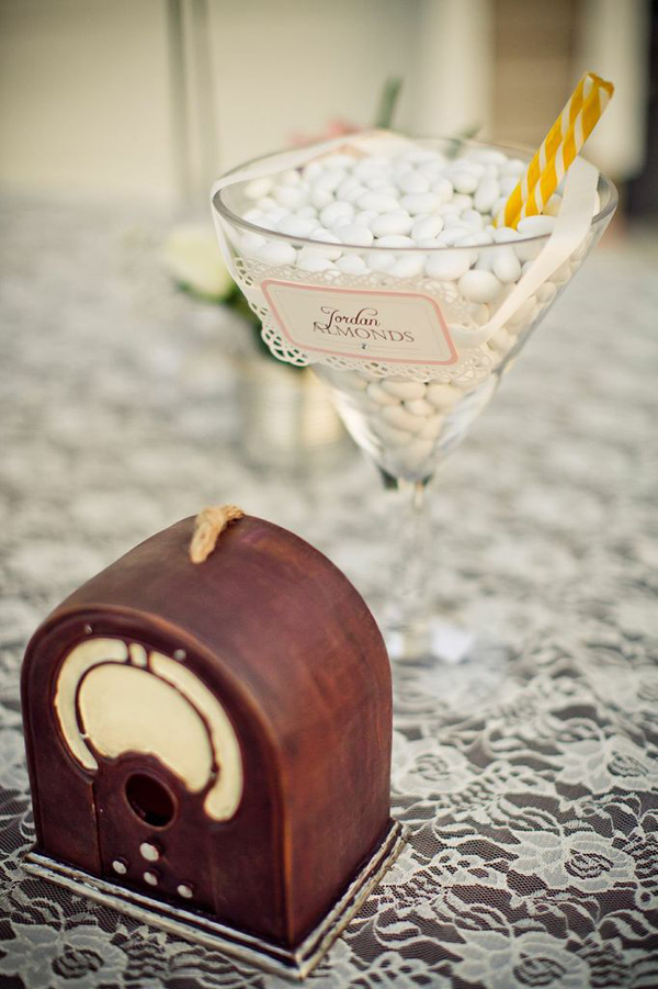 Vintage Backyard Wedding via Kara's Party Ideas | Kara'sPartyIdeas.com #vintage #backyard #wedding #supplies #ideas (9)